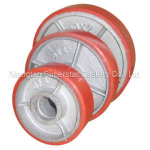 La banda de rodadura de poliuretano anaranjados núcleo de hierro pintadas de negro ruedas