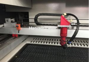 ゴム製版の切断の彫版機械
