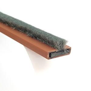 拡張ブラシが付いている背部自己接着火そして煙のシール