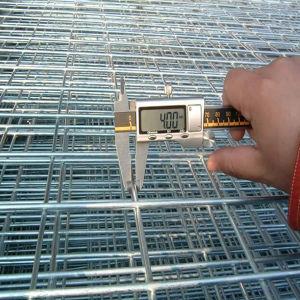 ステンレス鋼/低炭素ワイヤーによって溶接される金網のパネル