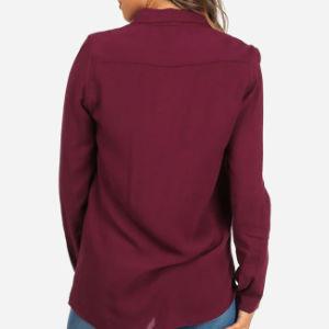 赤く長い袖2の前部ポケットライト級選手のワイシャツ
