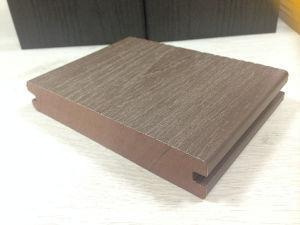 プラスチック表面は木製を反スクラッチする耐久のキャップされた合成のDeckingをカバーした