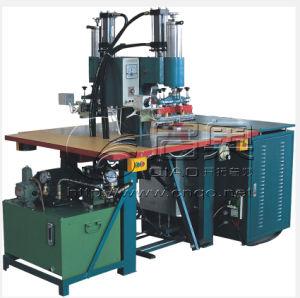 De dubbele Machine van het Lassen van de Structuur van het Membraan van pvc van de Hoge Frequentie van de Post Trek