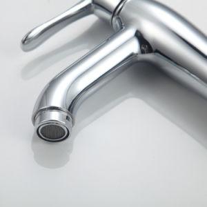 Yiwu卸し売り衛生製品の浴室の設備のクロム版のデッキは洗面所の単一のハンドル亜鉛冷水の洗面器の蛇口を取付けた