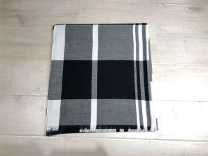 Sjaal van de Manier van 100% de Acryl Zwarte & Witte Gecontroleerde Geweven Dame Shawl