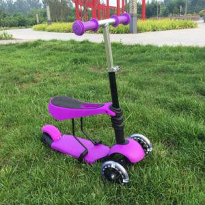 Trois roues en plastique bébé Kick Scooter avec siège confortable