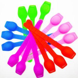 La mano de pulsera de silicona de jabón líquido Wahsing