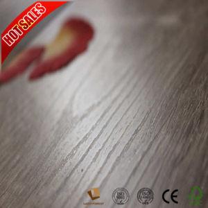 Composite suelo laminado con la mano de la superficie raspada