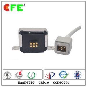 USBケーブルが付いている男性そして女性磁気電源コネクタ