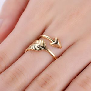Chapado en oro amarillo de flecha de cupido el anillo de joyas de plata