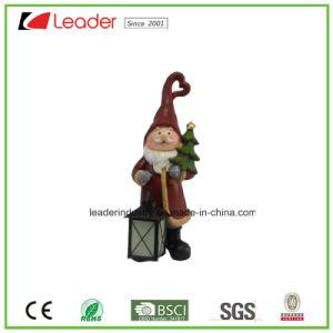 Het decoratieve Beeldje van de Kerstman Polyresin met Lantaarn voor de Decoratie van Kerstmis
