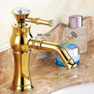 La piattaforma classica dorata del colpetto del rubinetto della stanza da bagno di FLG ha montato la maniglia a cristallo