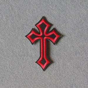 Comercio al por mayor de textiles personalizadas bordado Cruz insignias