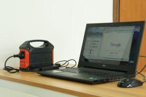 L'énergie solaire générateur hors tension de grille pour le camping du générateur de voyage compact