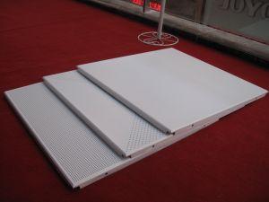 La Chine Fabricant Multi-Proof HQ Revêtement en poudre Les carreaux de plafond en aluminium