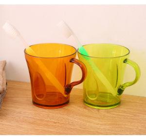 Uma boa qualidade transparente de plástico de Design de cores diferentes caneca