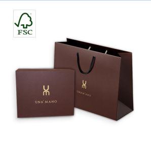 Support de cadeau personnalisé FSC blanc mat Noir imprimé couleur Sac en papier pour vêtements d'emballage