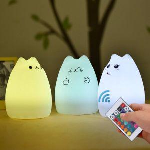 中国の工場農産物の高品質100%年の食品等級のシリコーンのシェルを持つ赤ん坊のためのPolychrome LED夜ライト