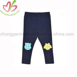 普及した子供のポルカドットの長ズボン