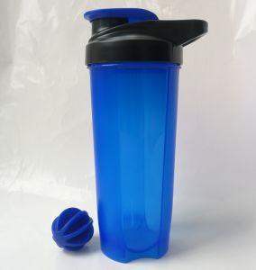 2019 Novo 700ml Pó de proteína de Nutrição Shaker Garrafa com esfera de mistura de plástico