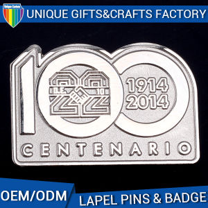 2016の新しいデザイン記念品の使用の金属物質的なメタルピンのバッジ
