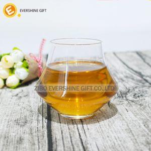 Vetri di vino di cristallo coi fiocchi del whisky con il marchio personalizzato