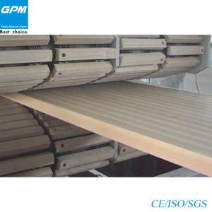 높은 산출 PVC/PE/PP WPC 거품 구렁 널 밀어남 선