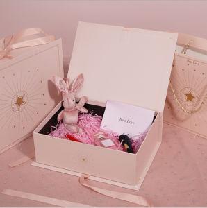 Comercio al por mayor lujo personalizado rosa, azul y negro Perfume cosméticos lápiz de labios de papel de libro Embalaje tazas pañuelos de seda de agua de la bufanda Joyas de embalaje regalo de bodas dulces