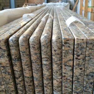 Lamellierter voller Bullnose/erleichterte Ränder Giallo Cecilia dunklen Granit-KücheCountertop