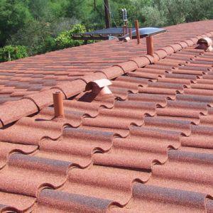 ミラノ様式の建築材の着色された石上塗を施してある金属の屋根瓦
