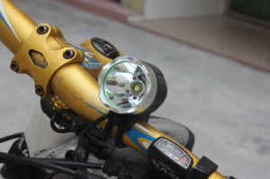 Водонепроницаемый аккумулятор 1800 люмен светодиодный индикатор на велосипеде