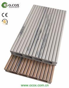 O composto de plástico de madeira no exterior em deck WPC piso em deck