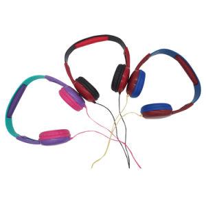 卸し売り騒音低減のステレオの子供のヘッドホーンのMP3プレーヤーのワイヤーで縛られたヘッドホーン