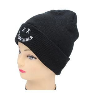 屋外冬またはスポーツのための刺繍されたロゴのカスタム帽子の帽子