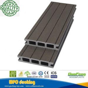 プールに使用するWPCの屋外のデッキのプラスチック木製の床