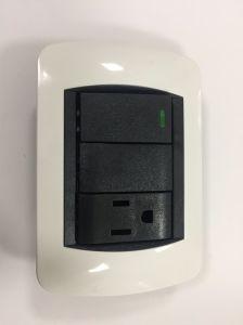 Zoccolo elettrico dell'interruttore dell'interruttore elettrico standard americano della parete