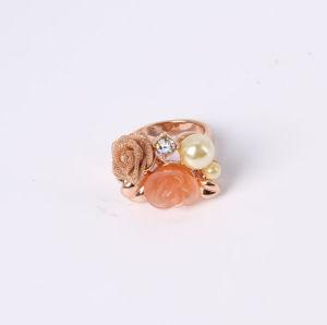 黒いガラス石が付いている方法宝石類のリング