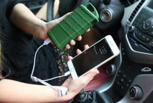 Ультратонкие ноутбуки аварийного запуска автомобиля многофункциональных стартера от внешнего источника питания банка
