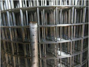 角目の形および塀の網のアプリケーションによって溶接される金網