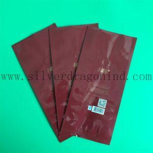 Bolsa de café de plástico de color rojo con la válvula y refuerzo lateral