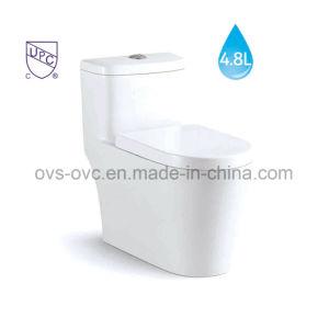 Um pedaço de poupança de água wc em cerâmica com Cupc Certificado
