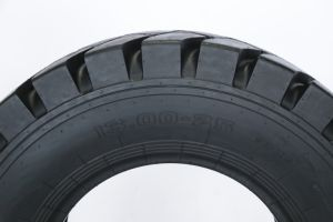 Gummireifen der China-Spitzenvertrauens-Marken-Fabrik-OTR für Bergbau und das Abbauen in den Gruben und Diggings Sh-108 1300-25