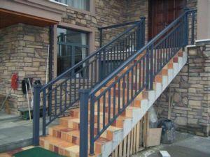 ホームのための青銅色カラーアルミニウムガラス囲うバルコニー