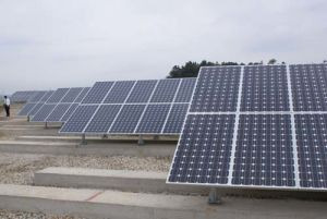Justierbarer Solarmodul-Haltewinkel