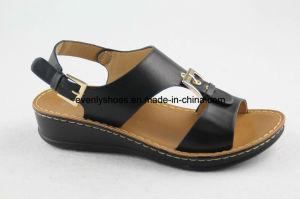 Femmes en cuir sandale de nouvelle conception pour la mode