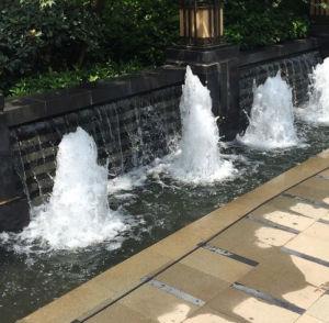 De decoratieve Pijp van de Fontein van de Bel van het Park van het Water
