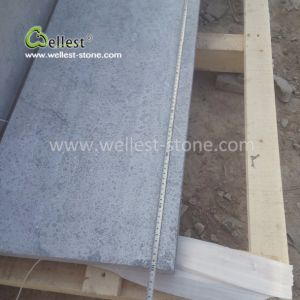 屋外の床の舗装するか、または壁のクラッディングのための酸の灰色か青の石灰岩のタイル