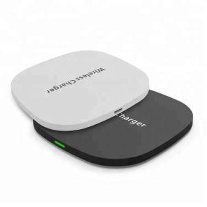 Beweglicher Handyqi-drahtlose Aufladeeinheit mit USB-Kanälen