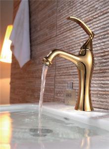 贅沢な銅によってめっきされるデッキによって取付けられる洗面器のコック