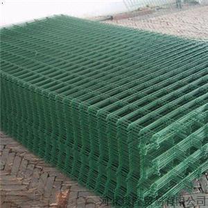 熱浸される電流を通されたか、またはPVCによって塗られる溶接された金網の防御フェンスのパネル